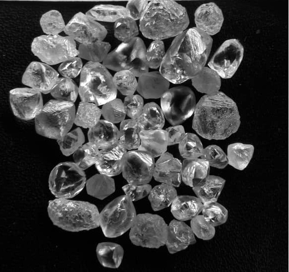 Conflict free Rough African Diamonds